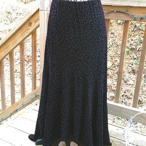 Chico's Black Velvet Animal Print Maxi Skirt Sz 1